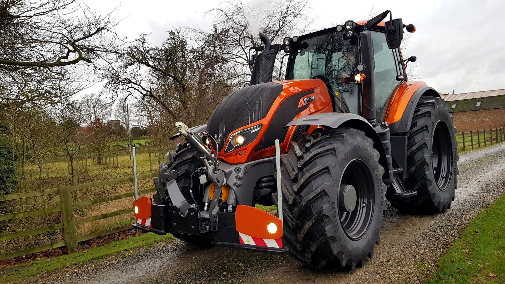Valtra-t174-Candy-Orange-WL400-agribumper-frontweight-UK-4